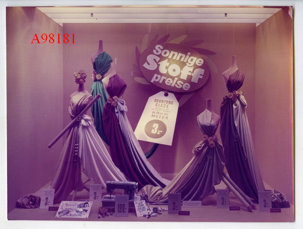 altes orig foto ca 60er j kadewe berlin schaufenster werbung damen mode ebay. Black Bedroom Furniture Sets. Home Design Ideas